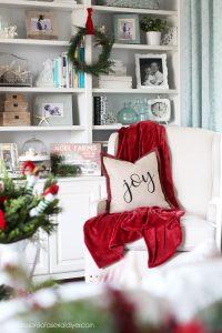 Christmas coffee table decor idea