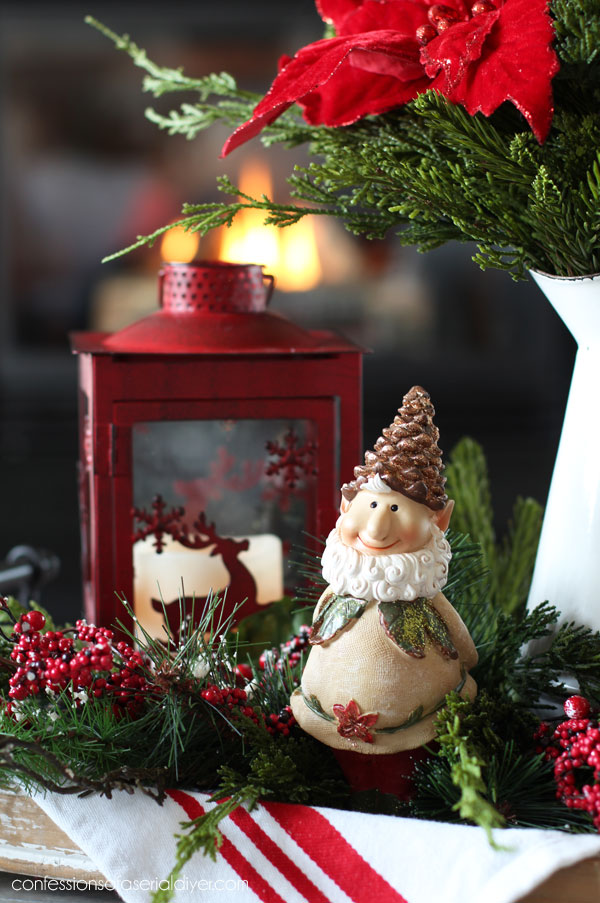 Christmas coffee table decor idea