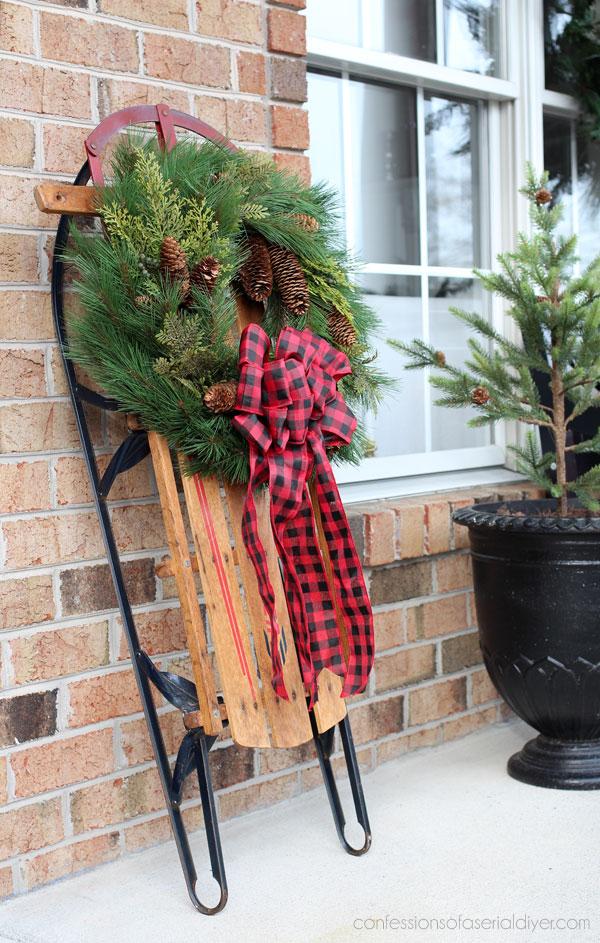 Vintage sleigh arrangement