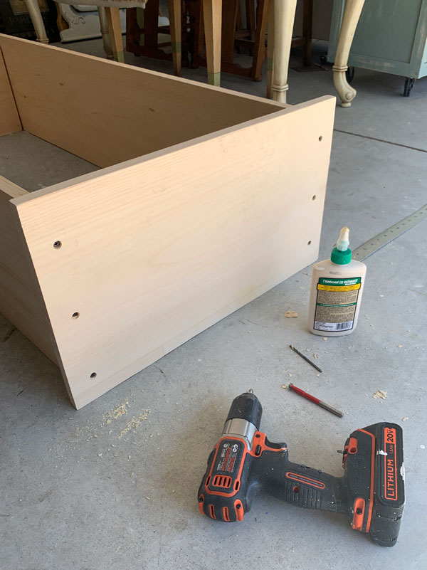 How to build a small cabinet