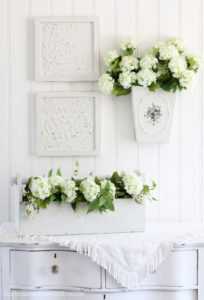 Thrift Store metal wall art gets a new look!