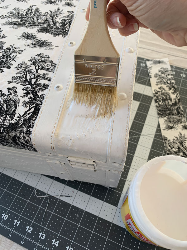 Apply fabric to just about anything using Mod Podge!