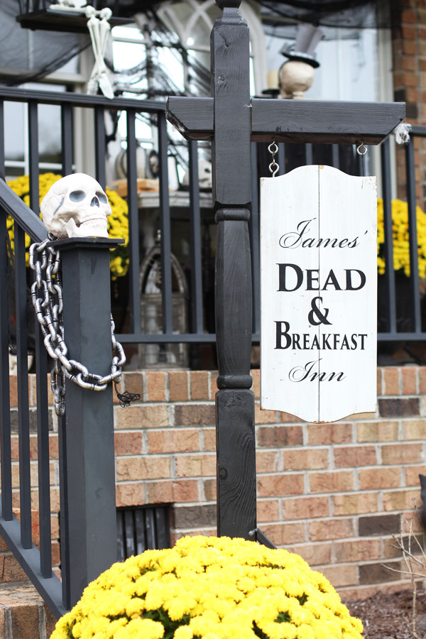 Dead and Breakfast Inn Sign