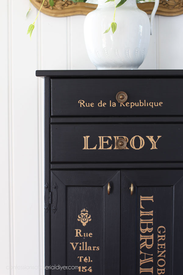 Cabinet painted in Caviar