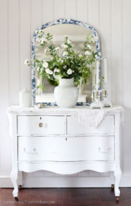 How to apply decoupage paper