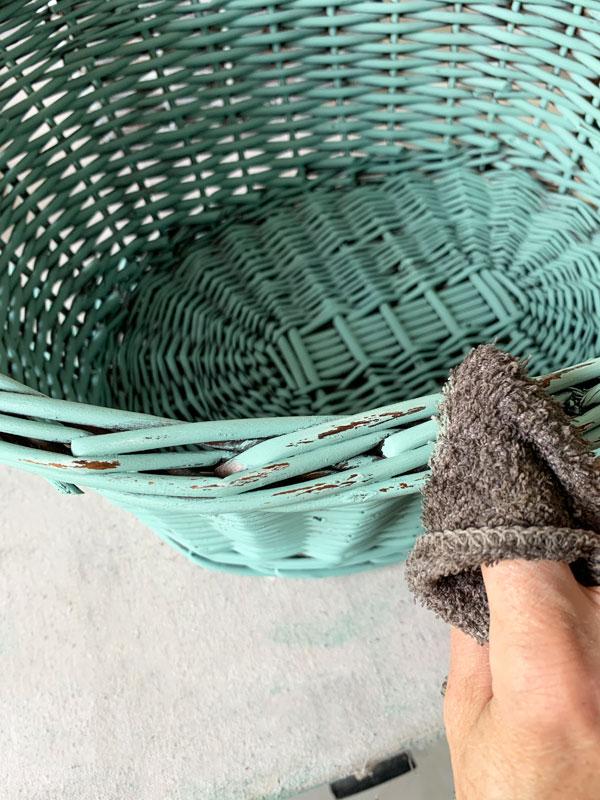 Wet distressing a basket
