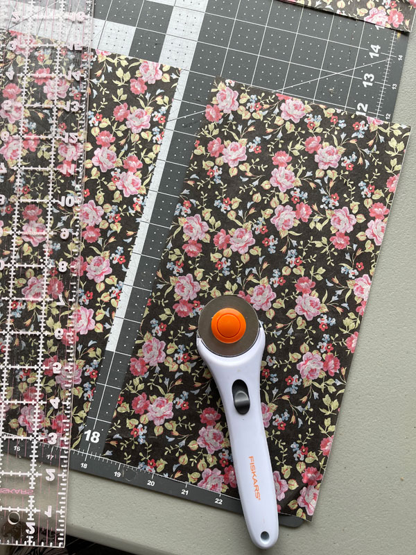 Using a rotary cutter and cutting mat ensures perfectly straight edges