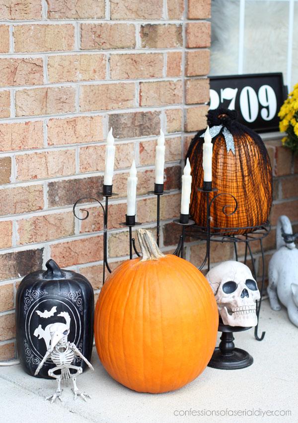 Halloween Porch Vignette