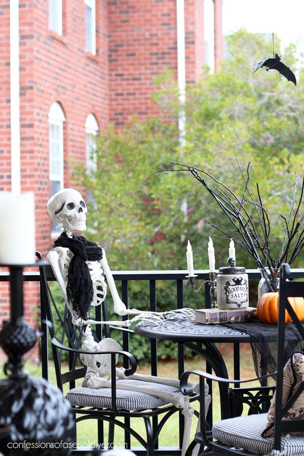Skeleton Halloween display